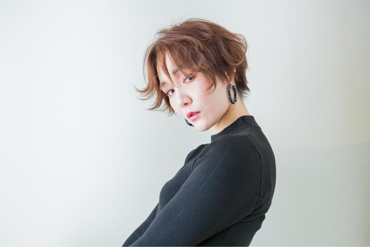 抜け感漂うエアリアルなショートヘア 内田 一也  hair/nail space a:le