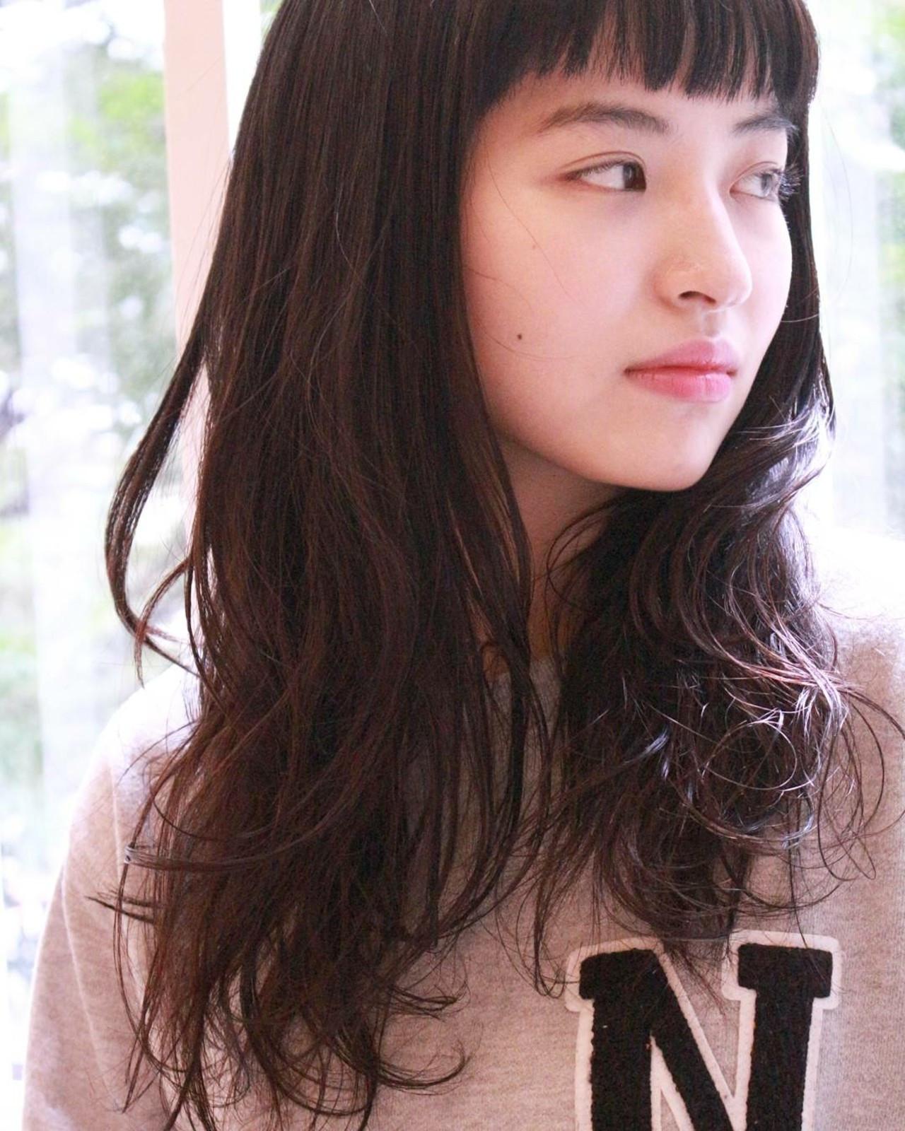 黒髪 セミロング パーマ ショートバング ヘアスタイルや髪型の写真・画像