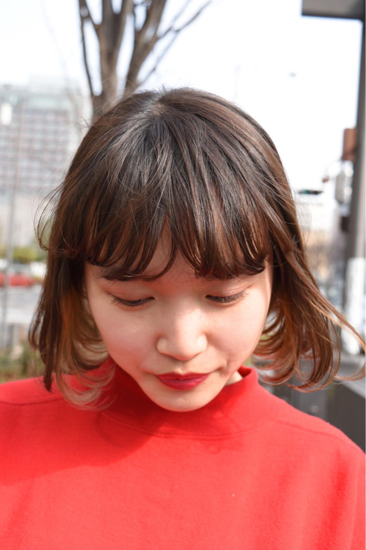 アッシュベージュ ボブ インナーカラー 透明感 ヘアスタイルや髪型の写真・画像