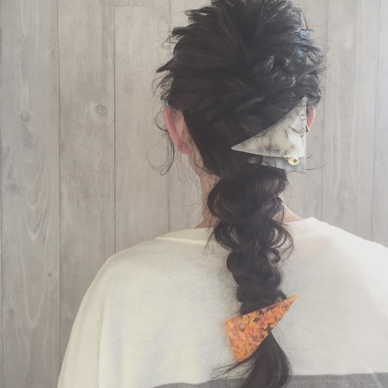 編みおろしスタイルにも三角クリップが可愛い 宮田 恵里香