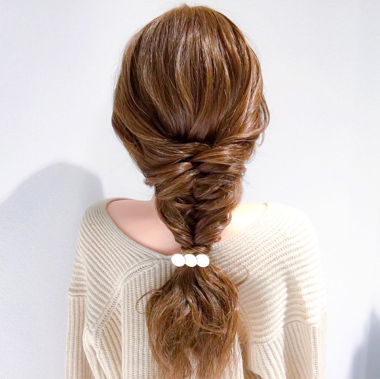 ロング 結婚式 簡単ヘアアレンジ フェミニン ヘアスタイルや髪型の写真・画像