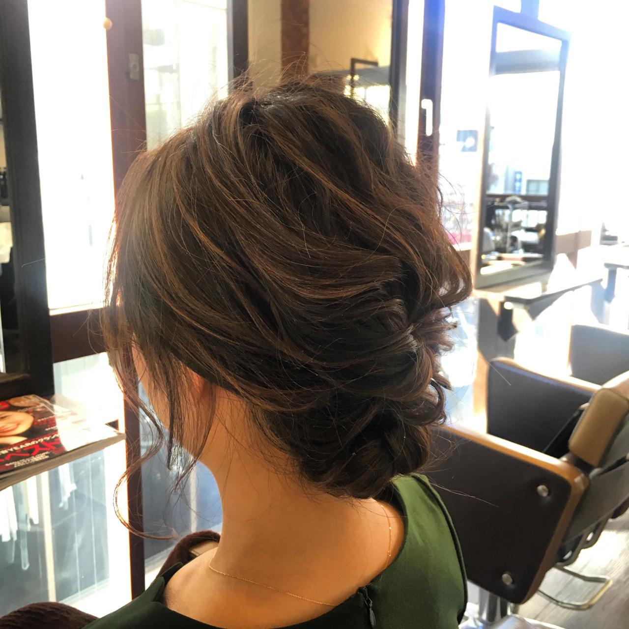くるりんぱ フェミニン 結婚式 ミディアム ヘアスタイルや髪型の写真・画像