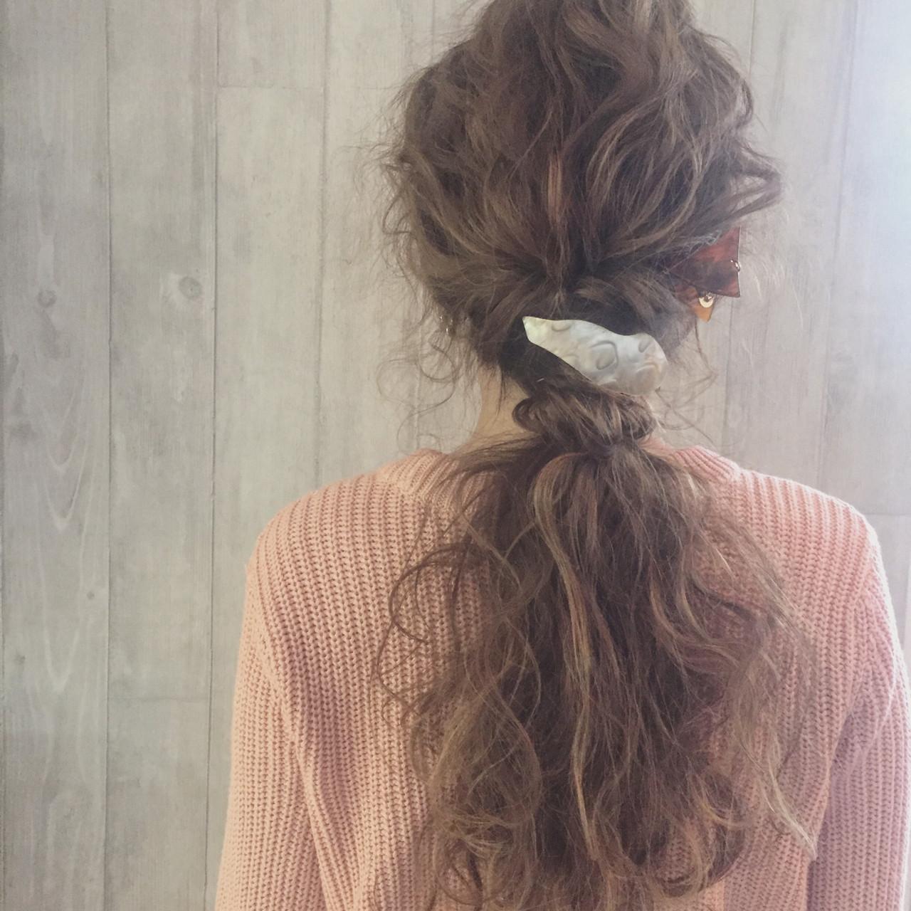 ガーリー ロング 波ウェーブ 三角クリップ ヘアスタイルや髪型の写真・画像