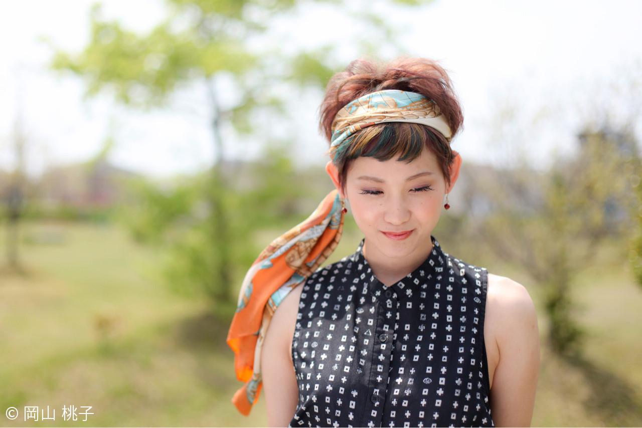 トップと前髪で色を変える個性派ヘアカラー 岡山 桃子