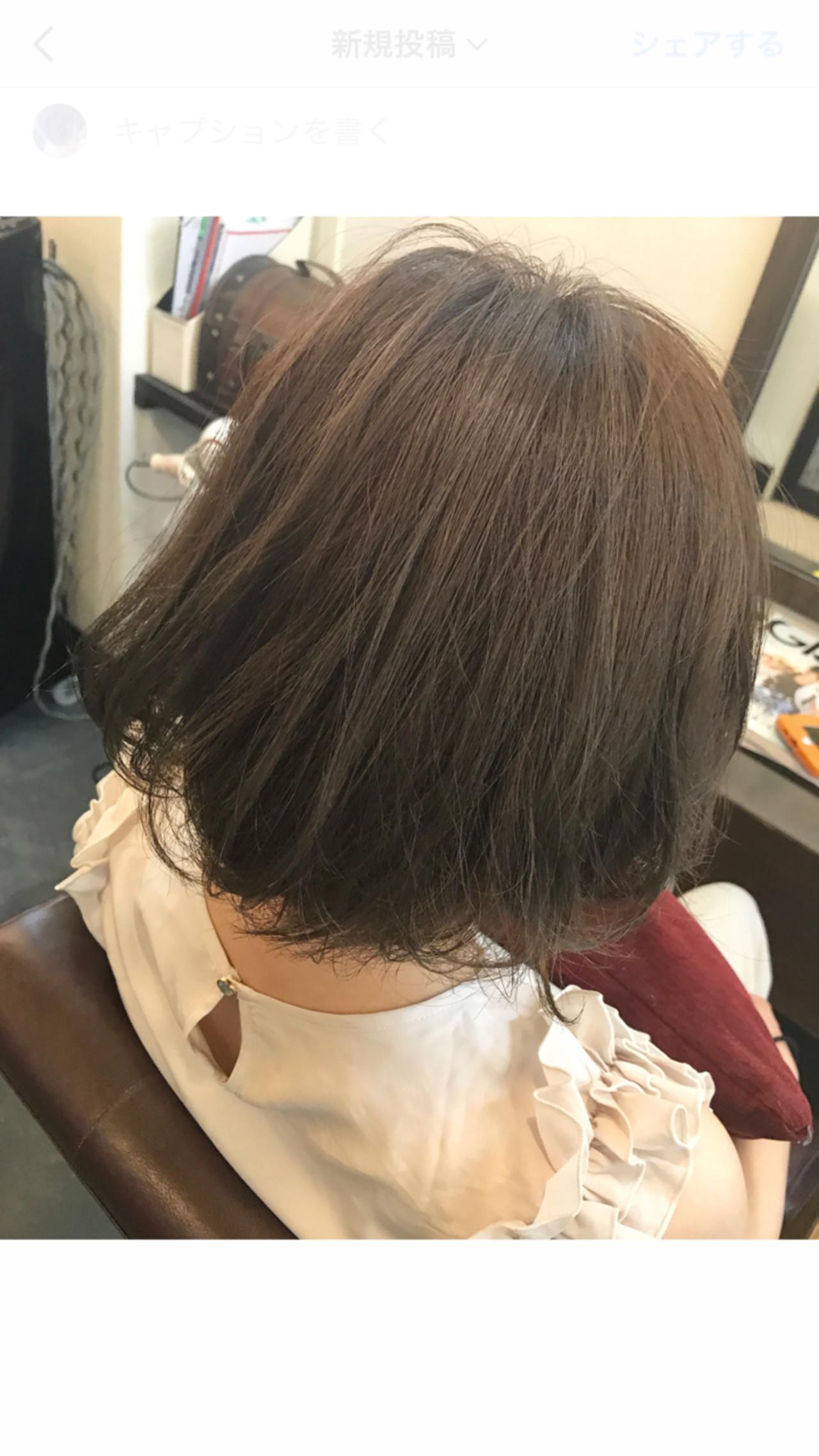 透け感のあるアッシュショートボブ 桝田 由佳 | vicus hair
