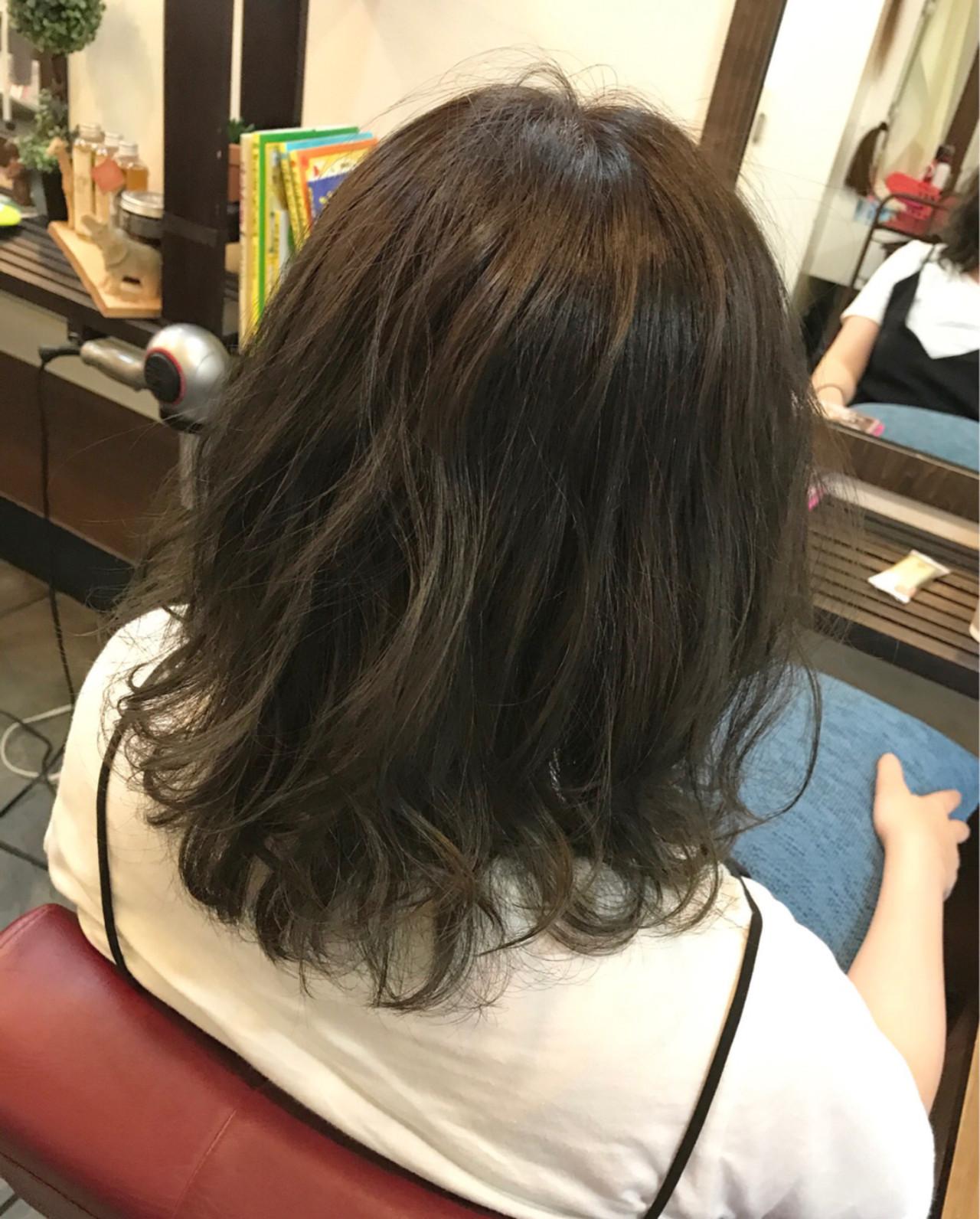 毛先のブルージュがポイントのおしゃれグラデ 桝田 由佳 | vicus hair
