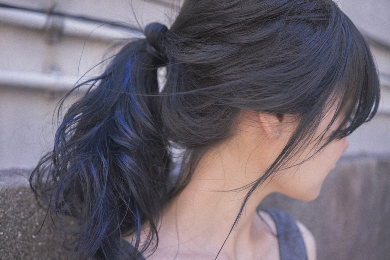 横髪を耳上にかけるように結んでみよう 桝田 由佳 | vicus hair