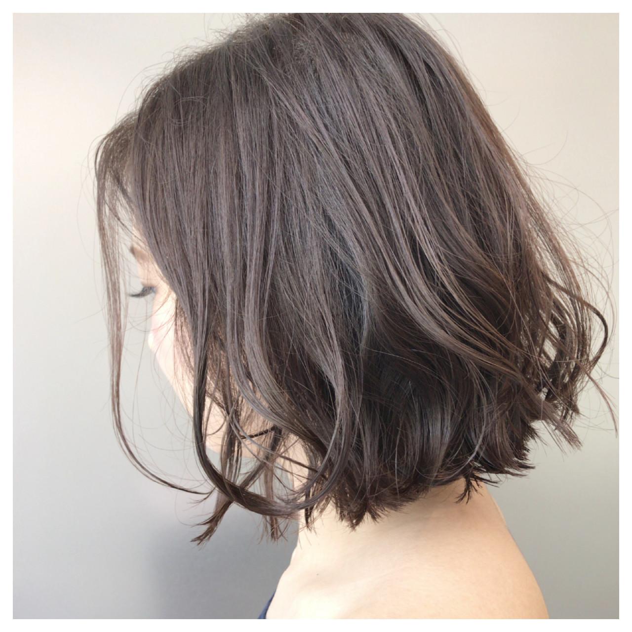 カールが決まりやすいのもワンレングスの魅力 Tomotaka Hamaya | STILL un label