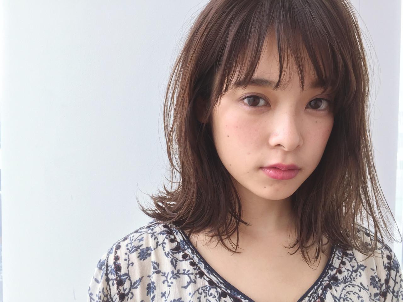 ざっくりレイヤーが大人かわいい戸田恵梨香さん風ミディアムストレート 福間エリサ