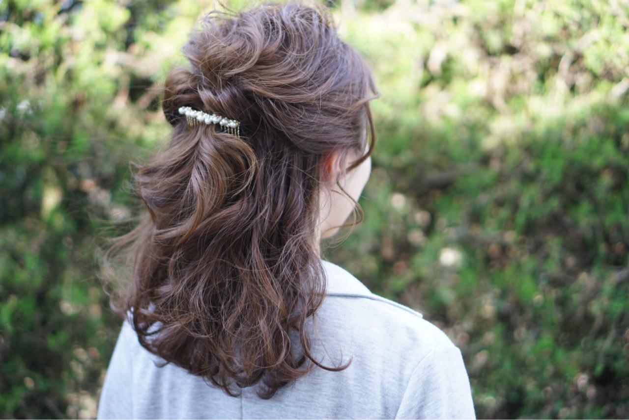 ヘアアレンジ 結婚式 ハーフアップ くるりんぱ ヘアスタイルや髪型の写真・画像