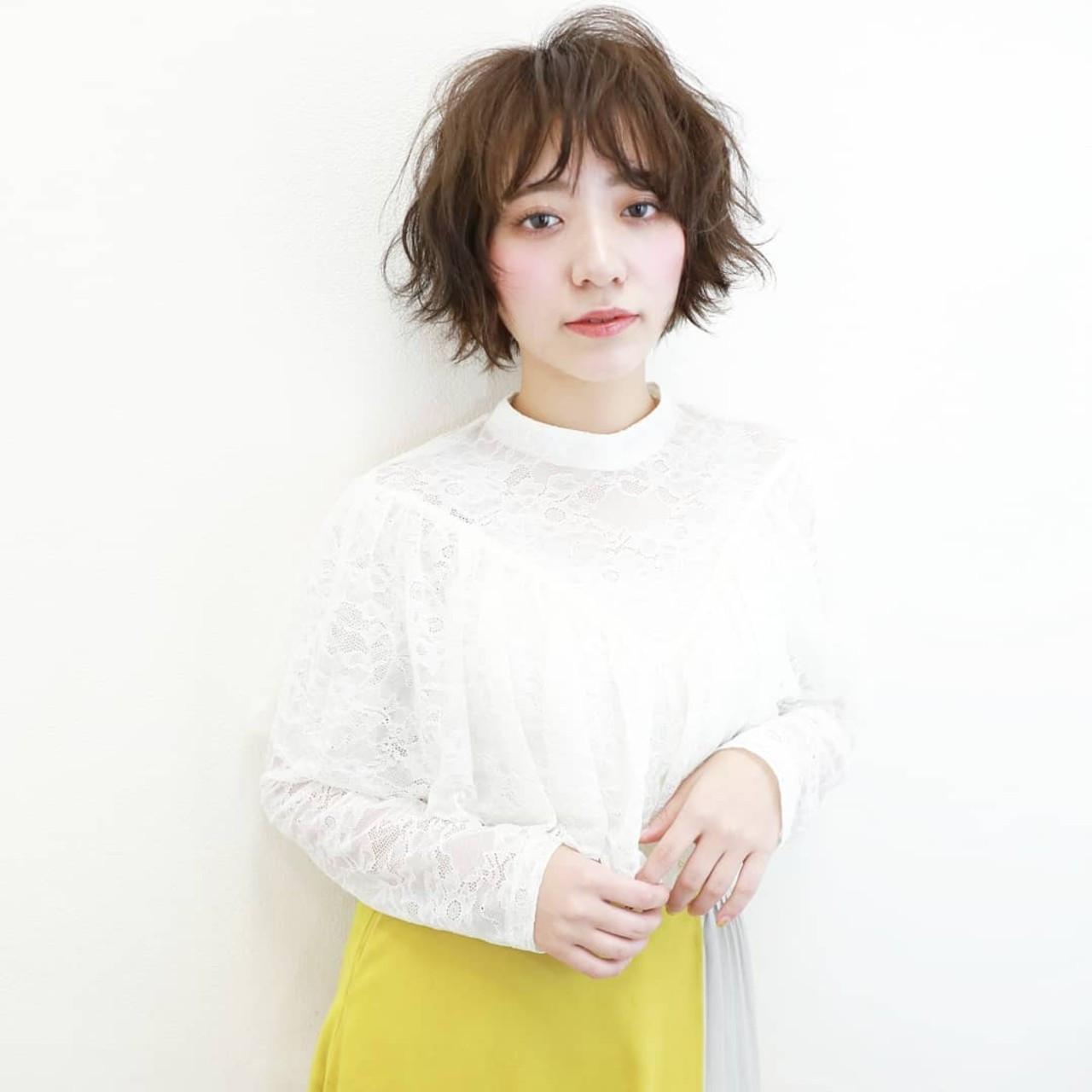 パーマヘアみたいなショートのふわふわアレンジ Naoko Miura