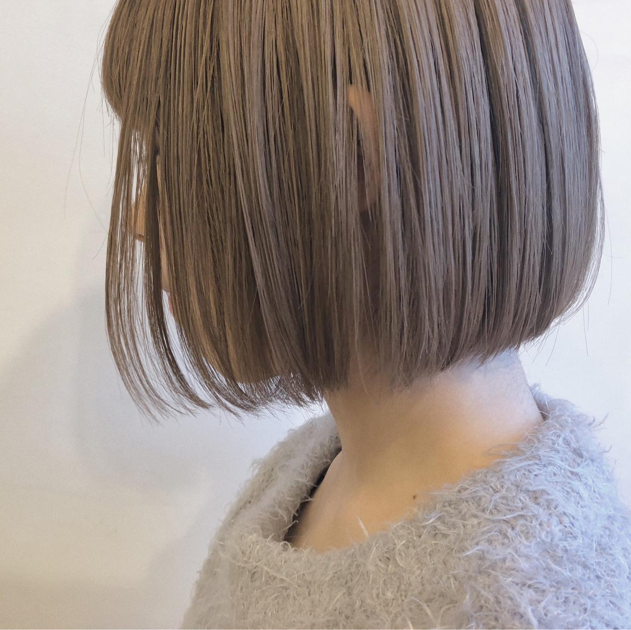 ミルクティーベージュ ワンレングス ブリーチ ボブ ヘアスタイルや髪型の写真・画像