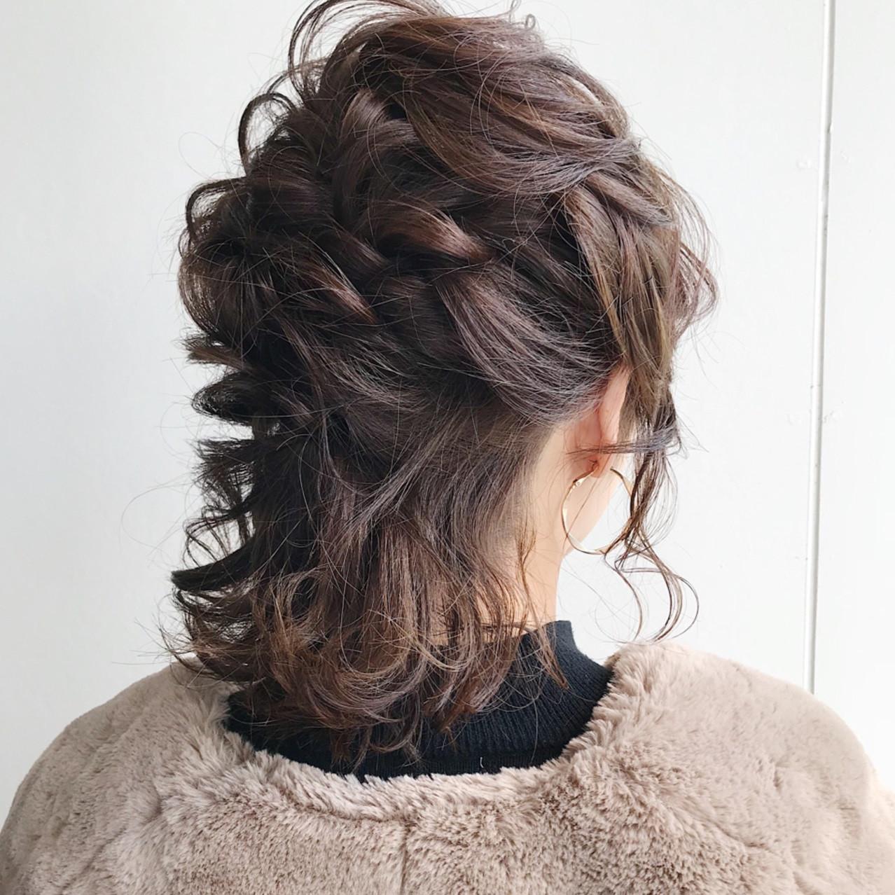 清楚で簡単なヘアアレンジ♡ミディアムからロングまでを網羅!
