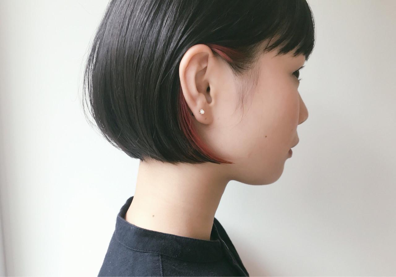 耳かけ部分に赤のポイントカラーをこっそりプラス♡ 仙頭郁弥 | loji+LIM