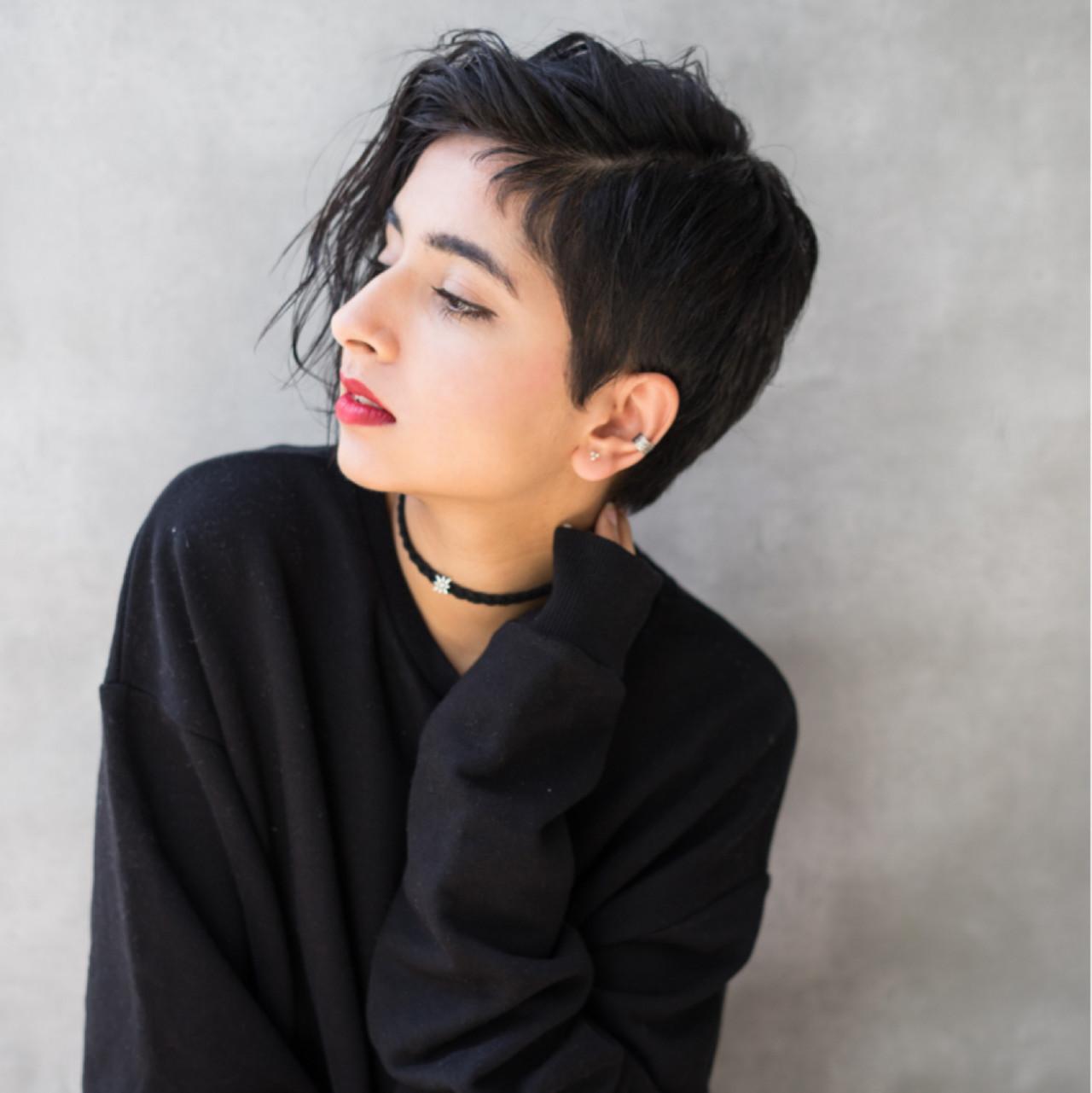 外国人風 黒髪 ストリート 前髪あり ヘアスタイルや髪型の写真・画像