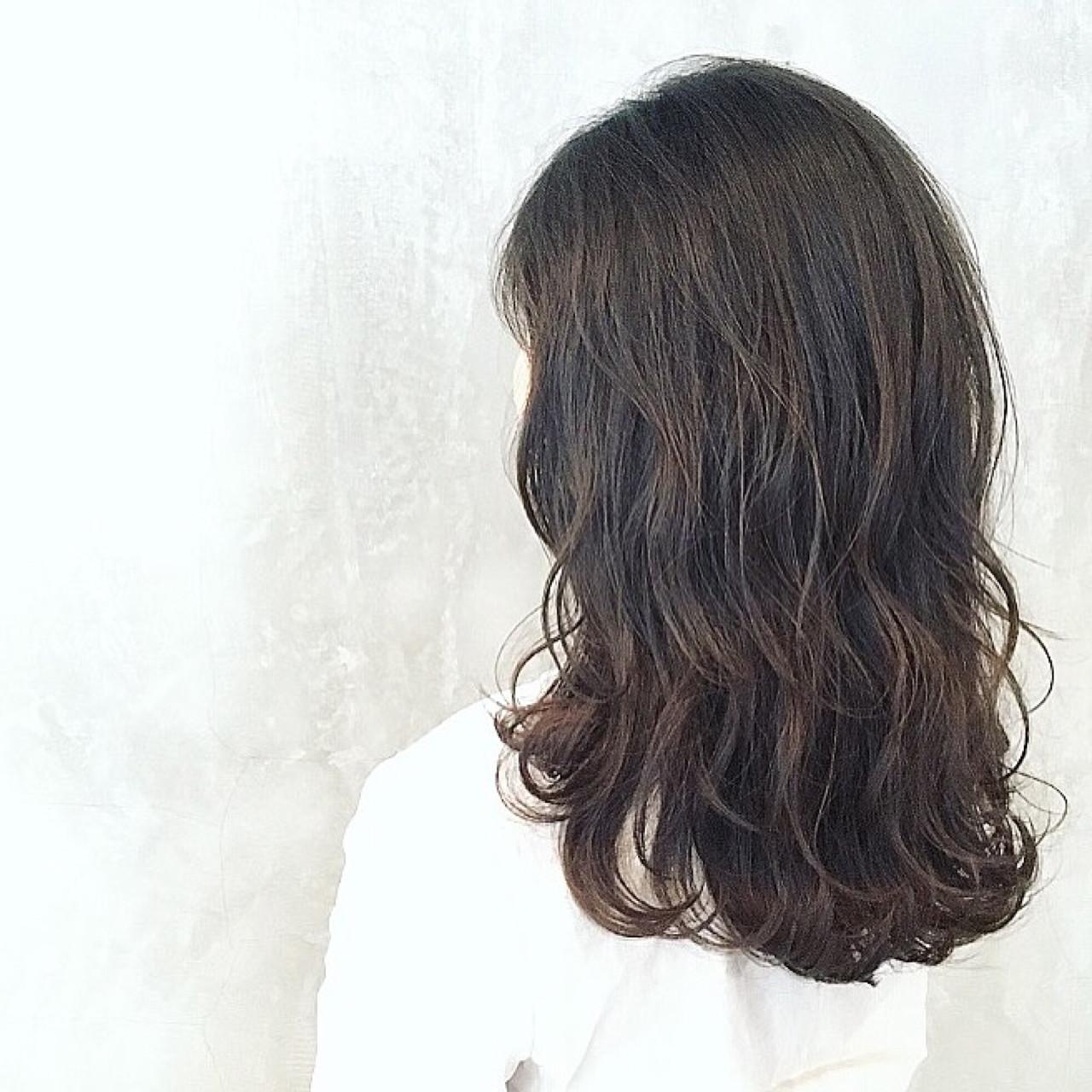 波ウエーブで洗練された女性のイメージに 篠崎 佑介 | ticro.