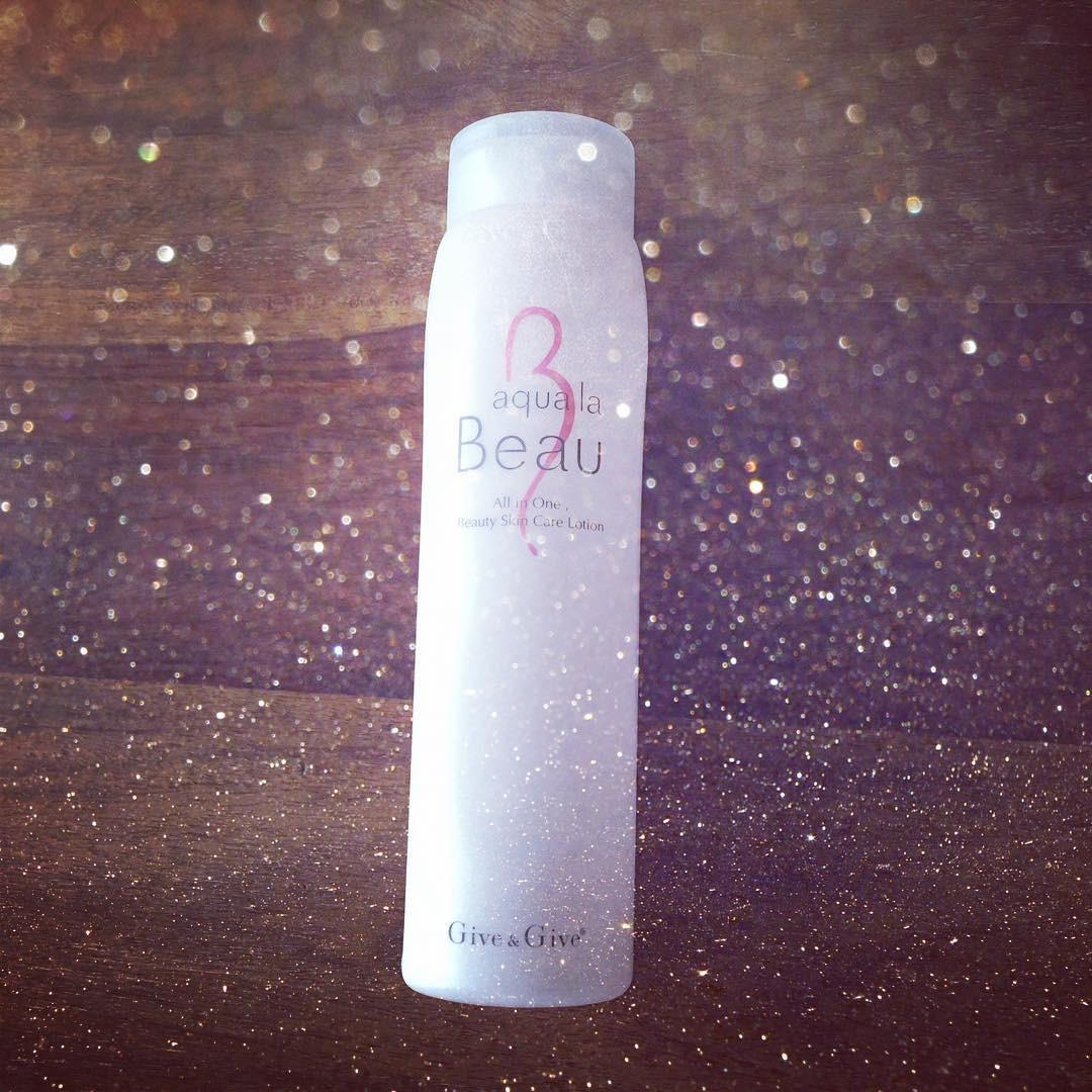 まずは化粧水で肌の調子を整える lucky02181014