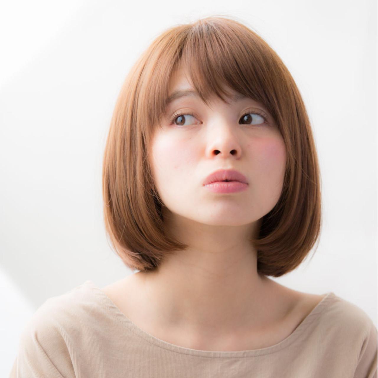 大人かわいい 斜め前髪 色気 リラックス ヘアスタイルや髪型の写真・画像