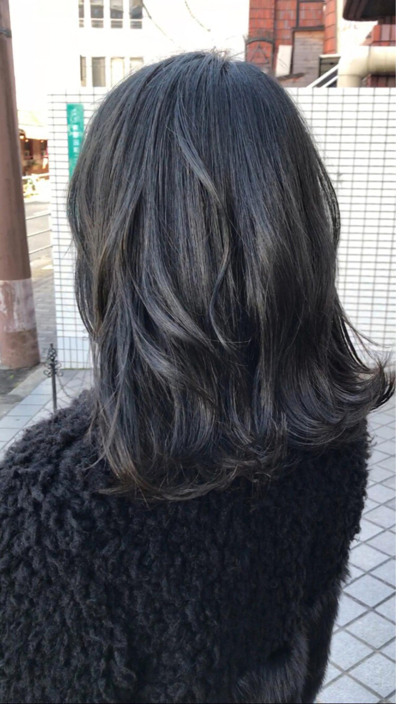 簡単ヘアアレンジ ブルーブラック ナチュラル ミディアム ヘアスタイルや髪型の写真・画像