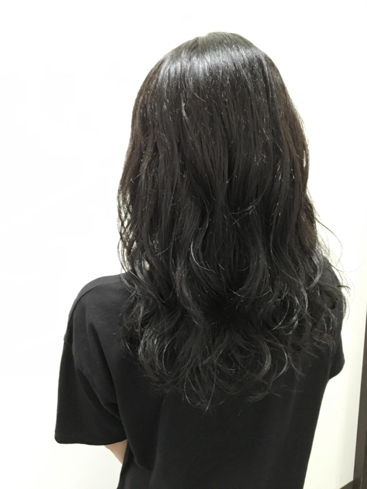 モード セミロング アッシュブラック 暗髪 ヘアスタイルや髪型の写真・画像