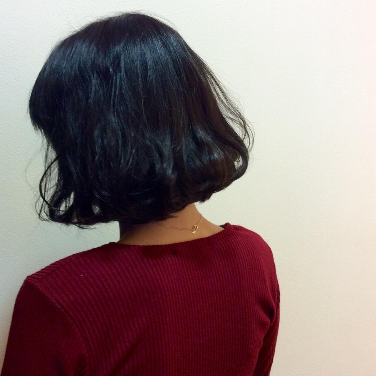 ストリート イルミナカラー 色気 アッシュブラック ヘアスタイルや髪型の写真・画像