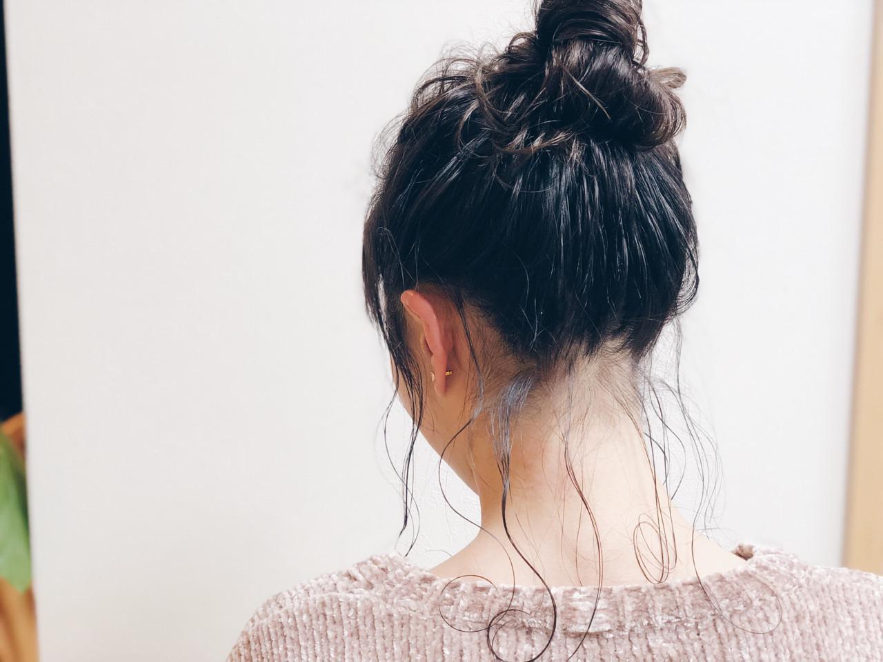 フェミニン お団子 ロング デート ヘアスタイルや髪型の写真・画像