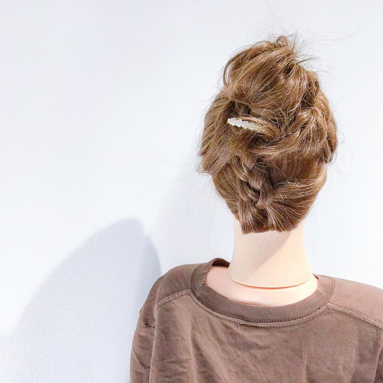 ヘアアレンジ アウトドア フェミニン 三つ編み ヘアスタイルや髪型の写真・画像