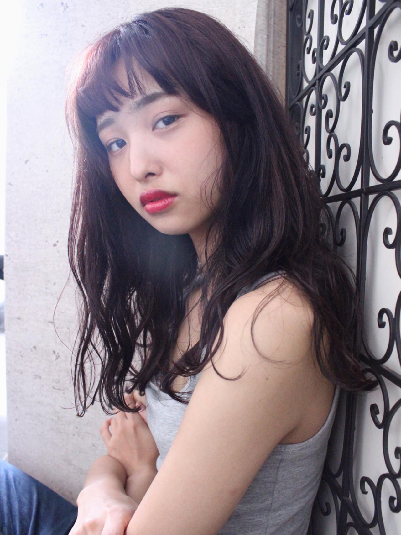 透明感 ピンクアッシュ ロング ベージュ ヘアスタイルや髪型の写真・画像