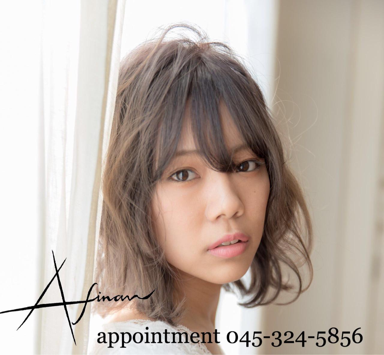 ミディアム デート ナチュラル ヘアアレンジ ヘアスタイルや髪型の写真・画像