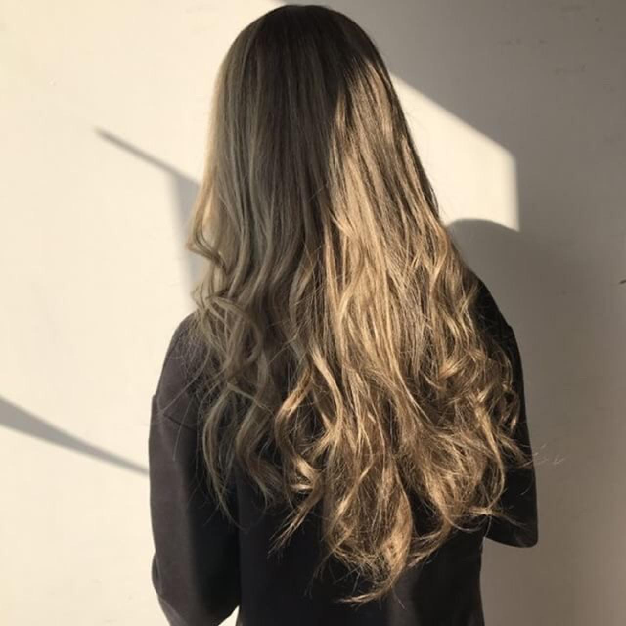 外国人風カラー ネイビーアッシュ エレガント ロング ヘアスタイルや髪型の写真・画像