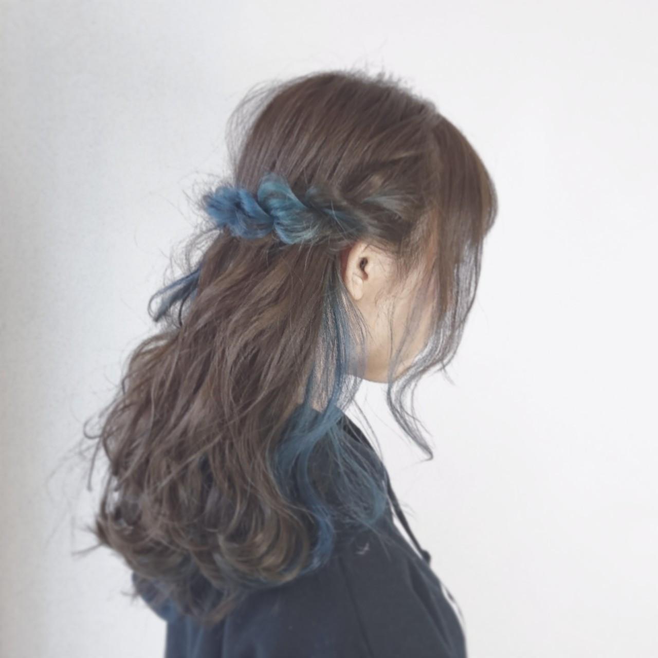アッシュ インナーカラー ロープ編み ヘアアレンジ ヘアスタイルや髪型の写真・画像