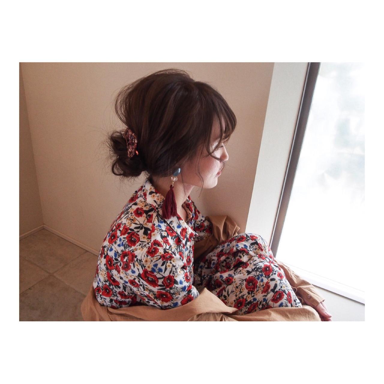 ロング ルーズ ヘアアレンジ ナチュラル ヘアスタイルや髪型の写真・画像