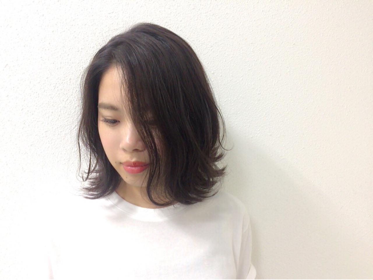 肩ひじ張らないナチュラルな無造作ボブディ Taniguchi Yukiko