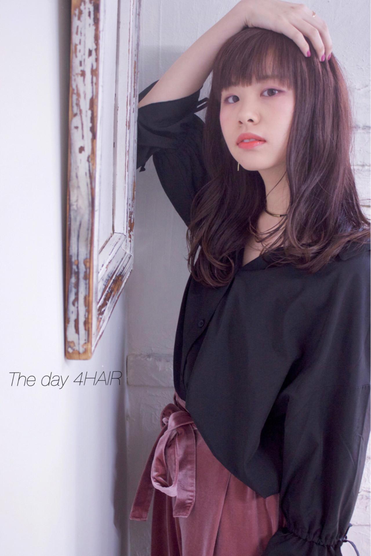 ラベンダー セミロング ラベンダーピンク フェミニン ヘアスタイルや髪型の写真・画像