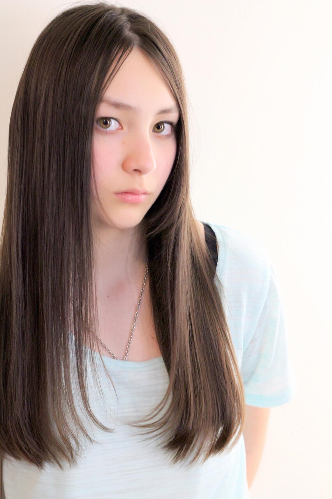 ストレート 縮毛矯正 ナチュラル 艶髪 ヘアスタイルや髪型の写真・画像