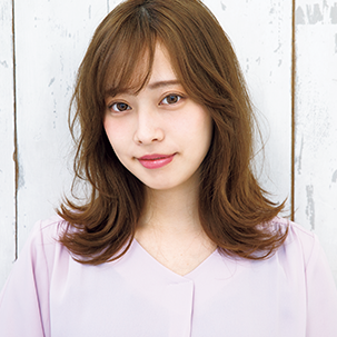 "【VOCE5月号 Topics4】BUZZなヘアで女子力をアゲる!""切りっぱなしロブ"""