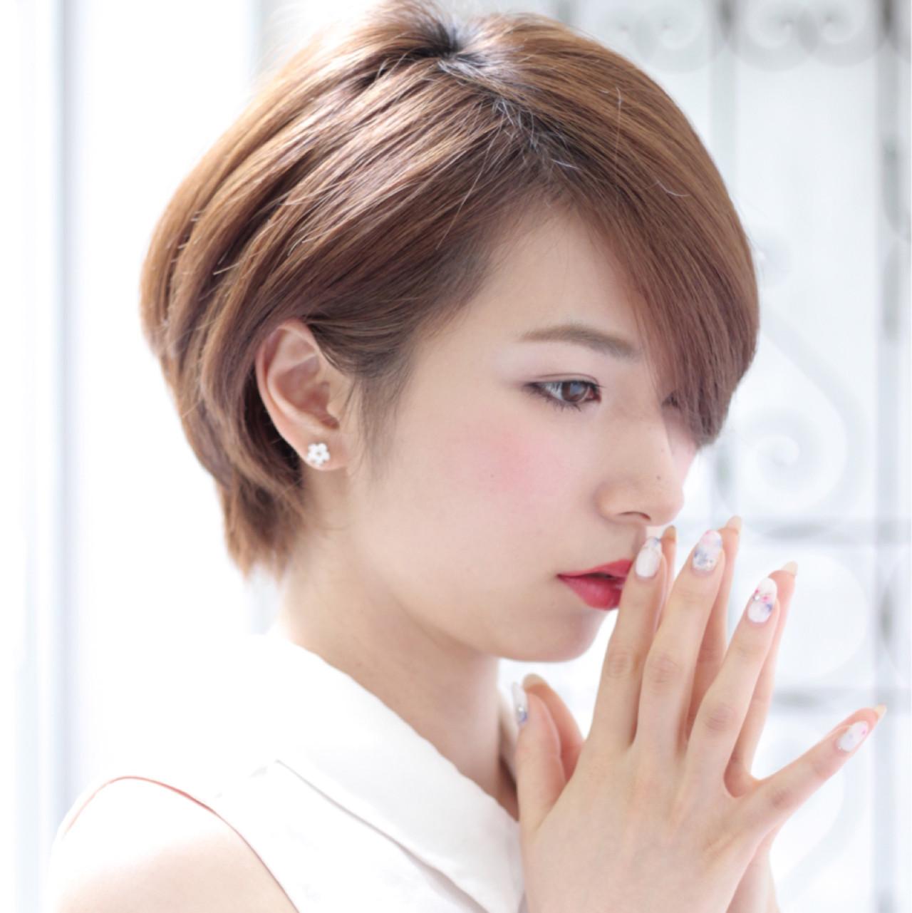面長さんに似合うふんわりショートの髪型♡ 我妻智紀 | HALE