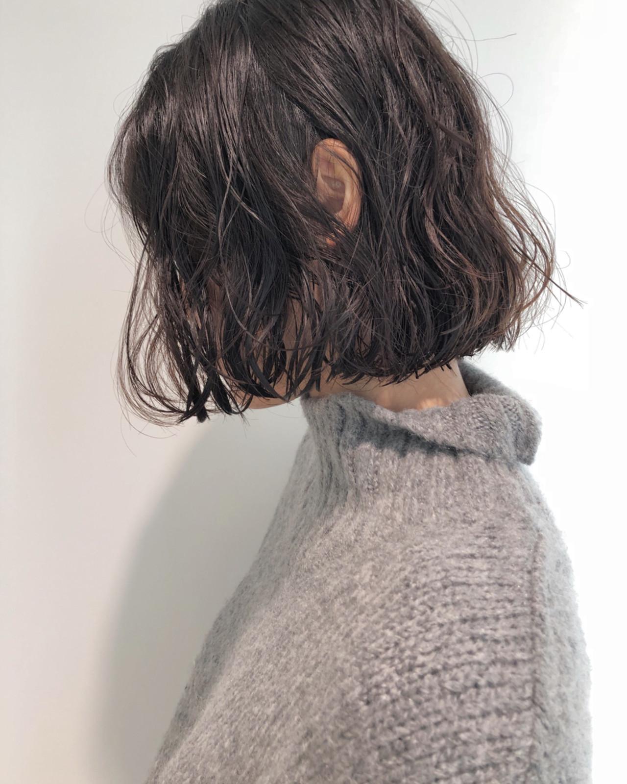 ミディアム ナチュラル 切りっぱなし ボブ ヘアスタイルや髪型の写真・画像