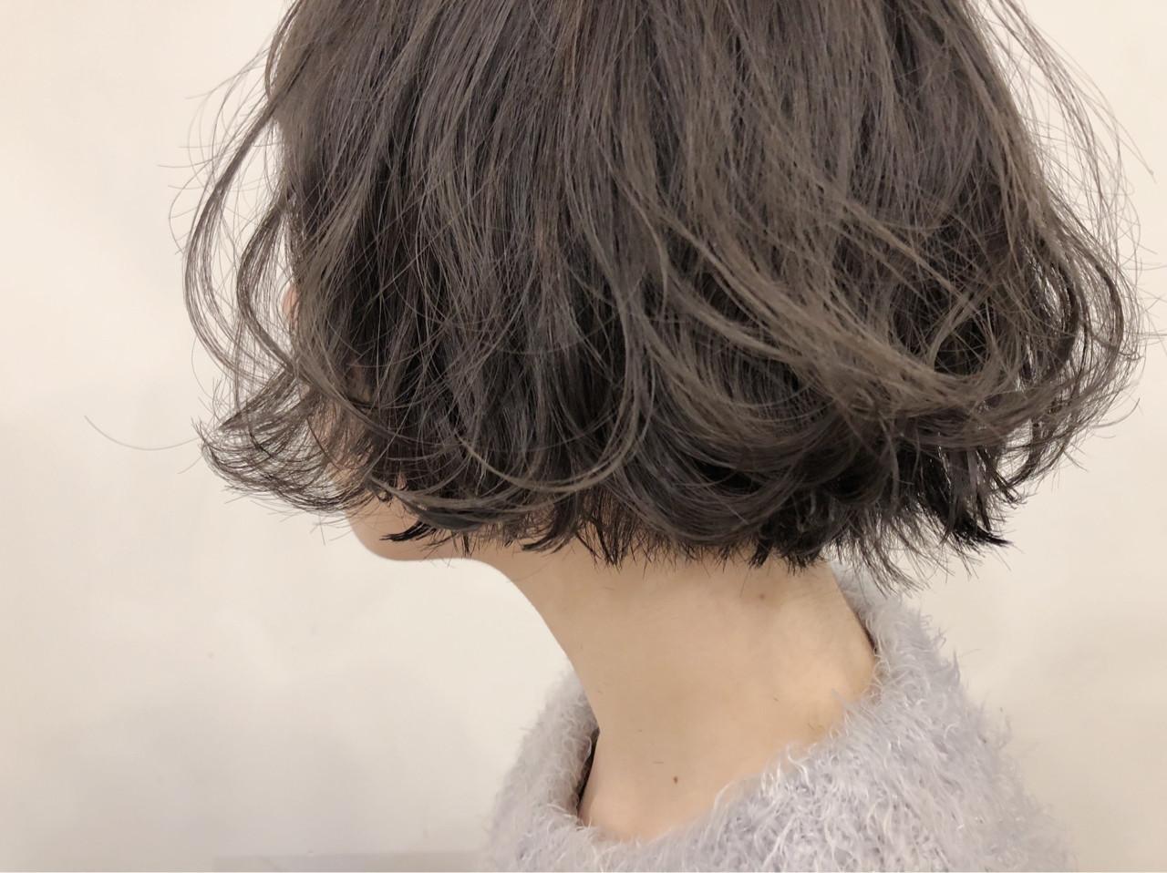 グレージュ 切りっぱなし ブリーチ ナチュラル ヘアスタイルや髪型の写真・画像