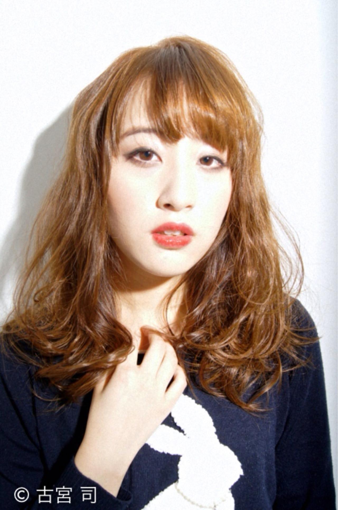 丸顔 ソバージュ ストリート 外国人風 ヘアスタイルや髪型の写真・画像