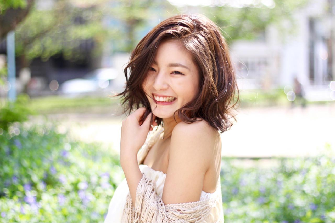 ショートボブのフェミニン巻き髪アレンジ MISAKI