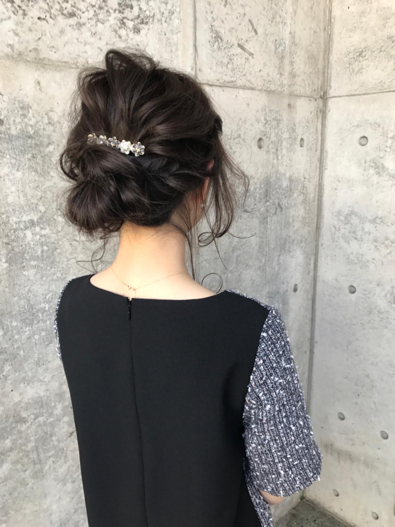 お花モチーフの髪飾りでキュートに Wataru Maeda