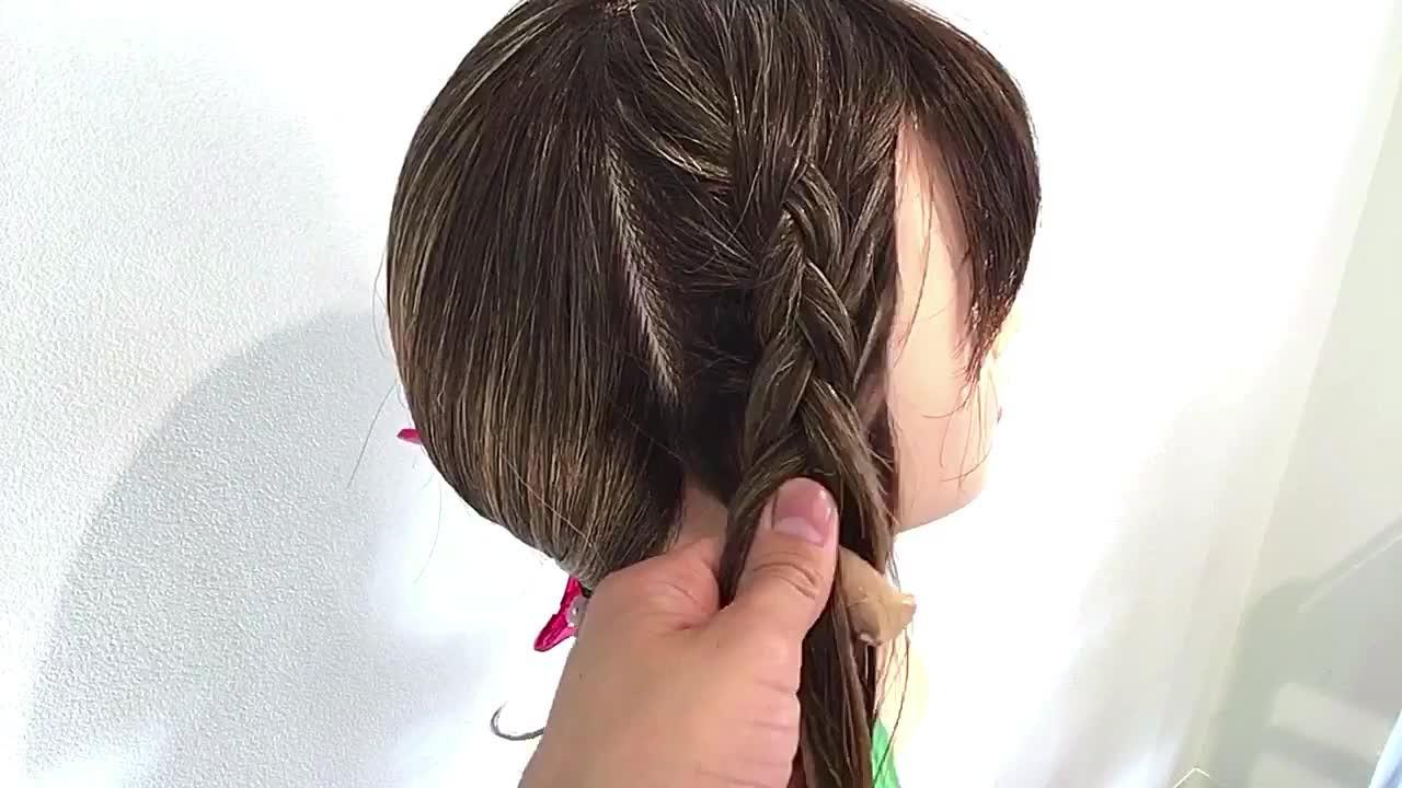 編み込みの裏編みとは? 美容師 HIRO | Amoute/アムティ