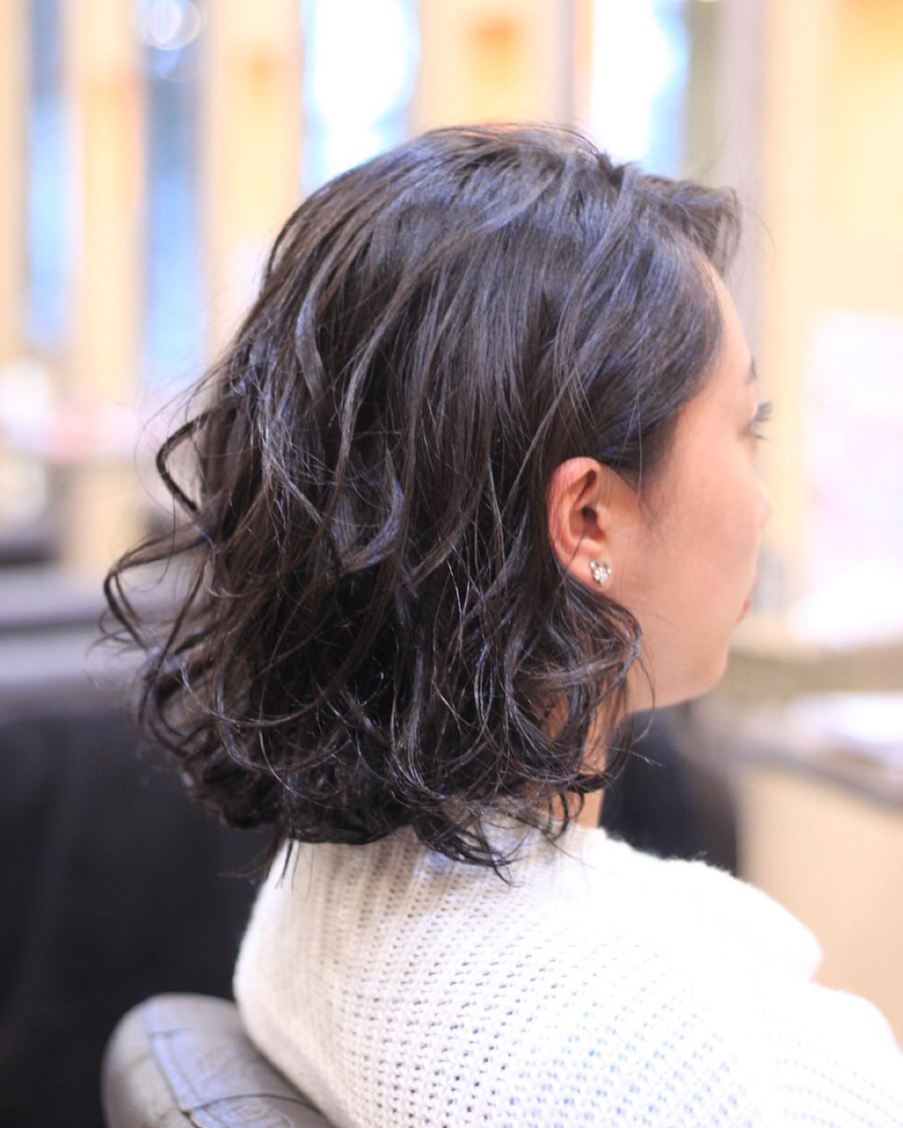黒髪ショートボブ×ふんわりカールでエレガントに 平岩 泰明 | Aether