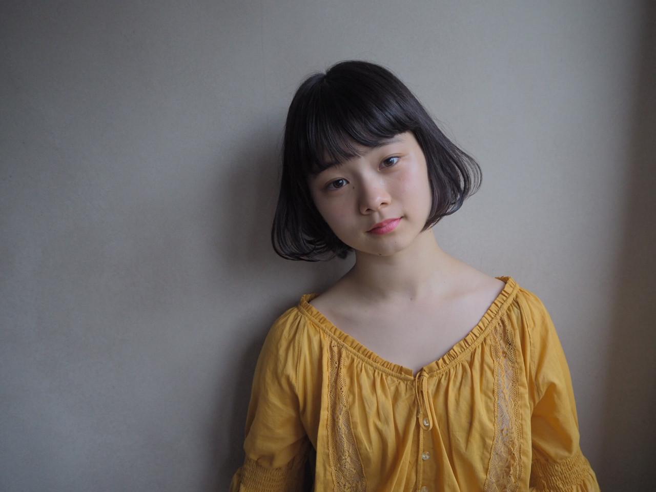 清楚な雰囲気の黒髪ワンカールパーマ 井上可南子 | モカゲ