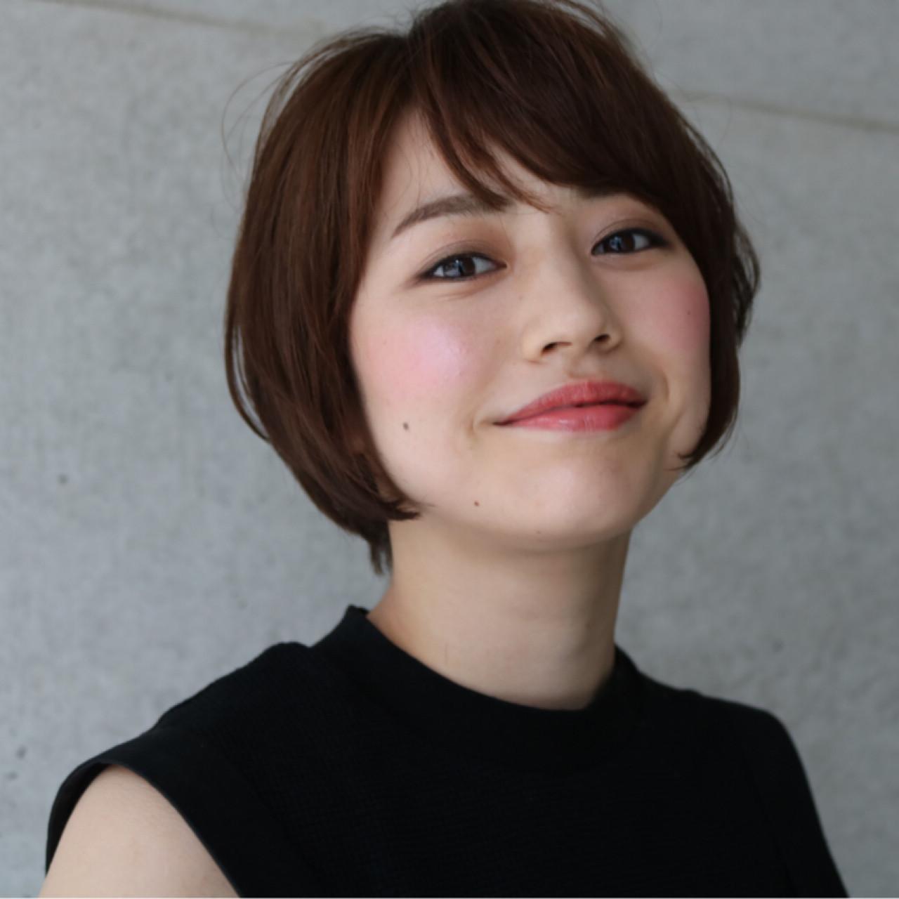 スッキリシルエット!ショートボブの段あり Shino Ikarashi | HOULe