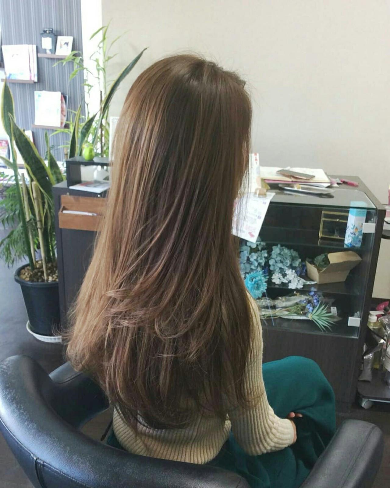 ロングの髪はやっぱりアッシュグレージュ♪ rumiLINKS美容室