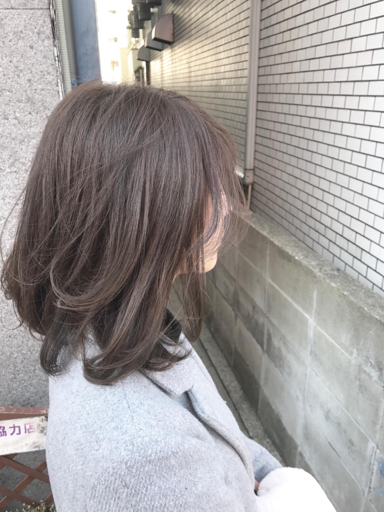オフィスでも大活躍♪ミディアム×アッシュヘアカラー ogawayuki