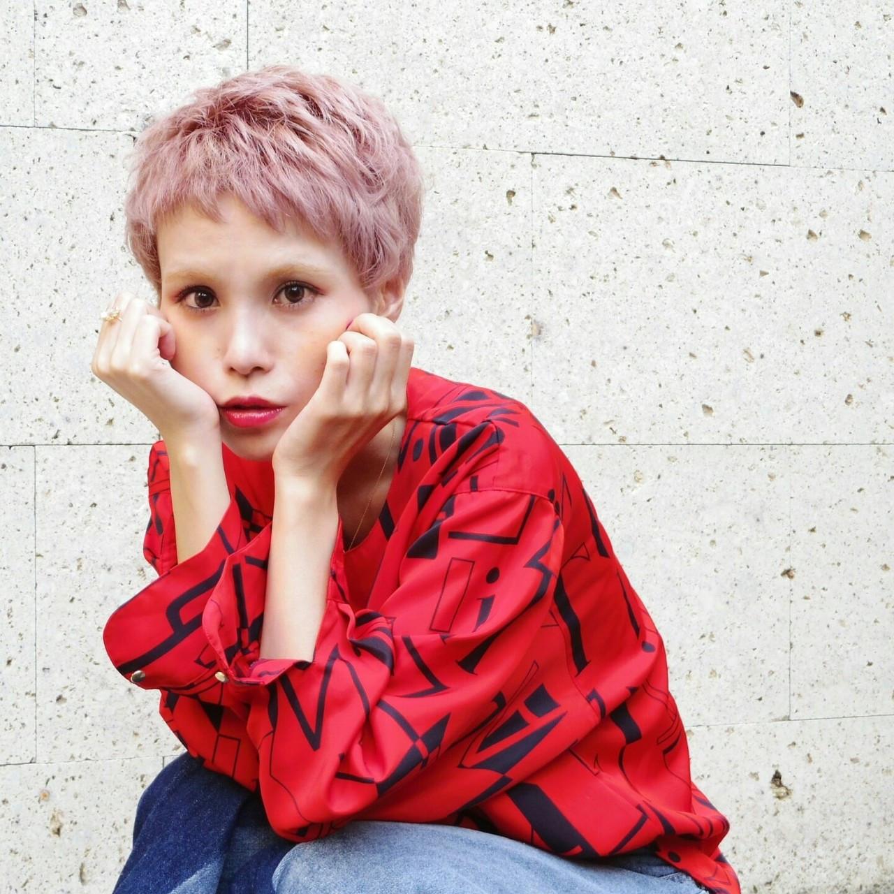 個性的なカラーリングでかっこいいスタイルに♪ KUMA | hair make PUR