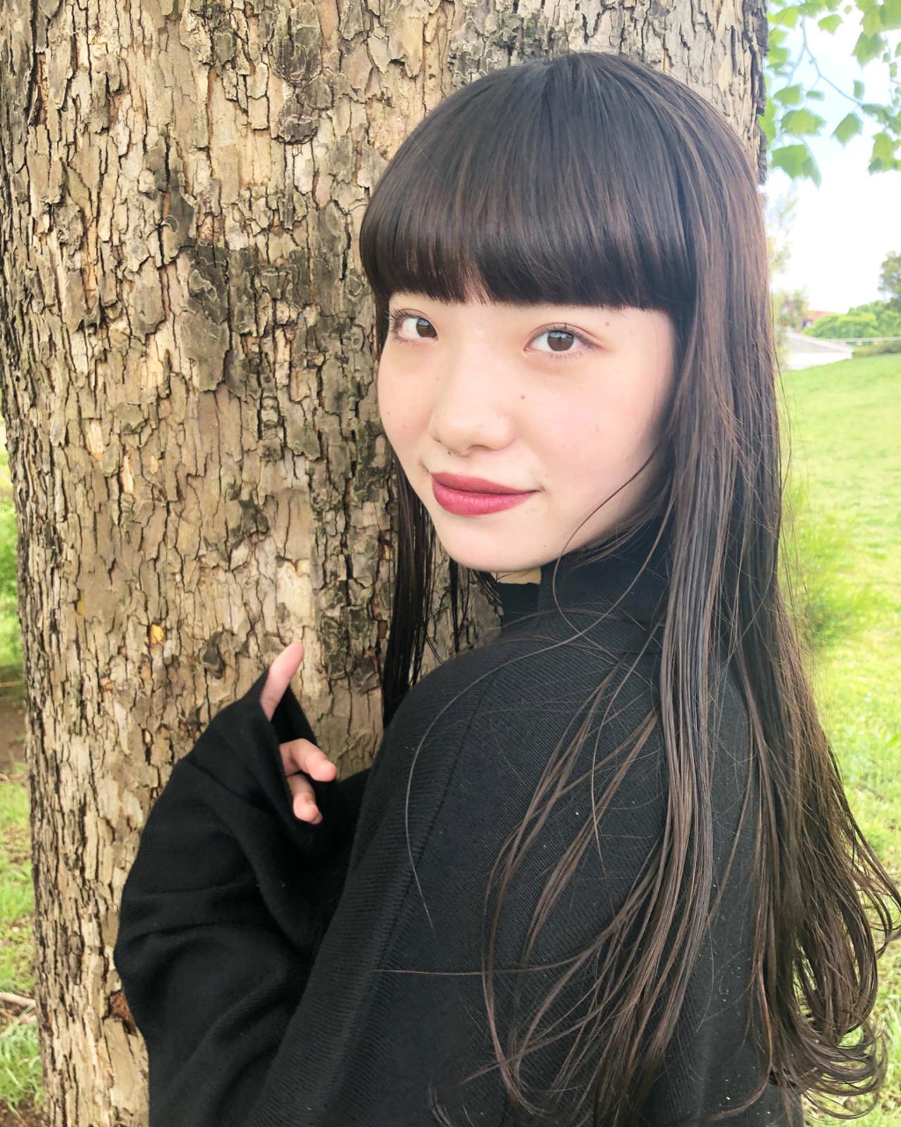 重め前髪が印象的♡お嬢様風ストレートロングヘア 伊藤大樹